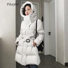 Fitaylor Neue Winter Frauen Große Natürliche Raccoo Pelz Kragen Ultra Licht 90% Weiße Ente Unten Parka Dünne Warme Daunen Outwear mit Gürtel