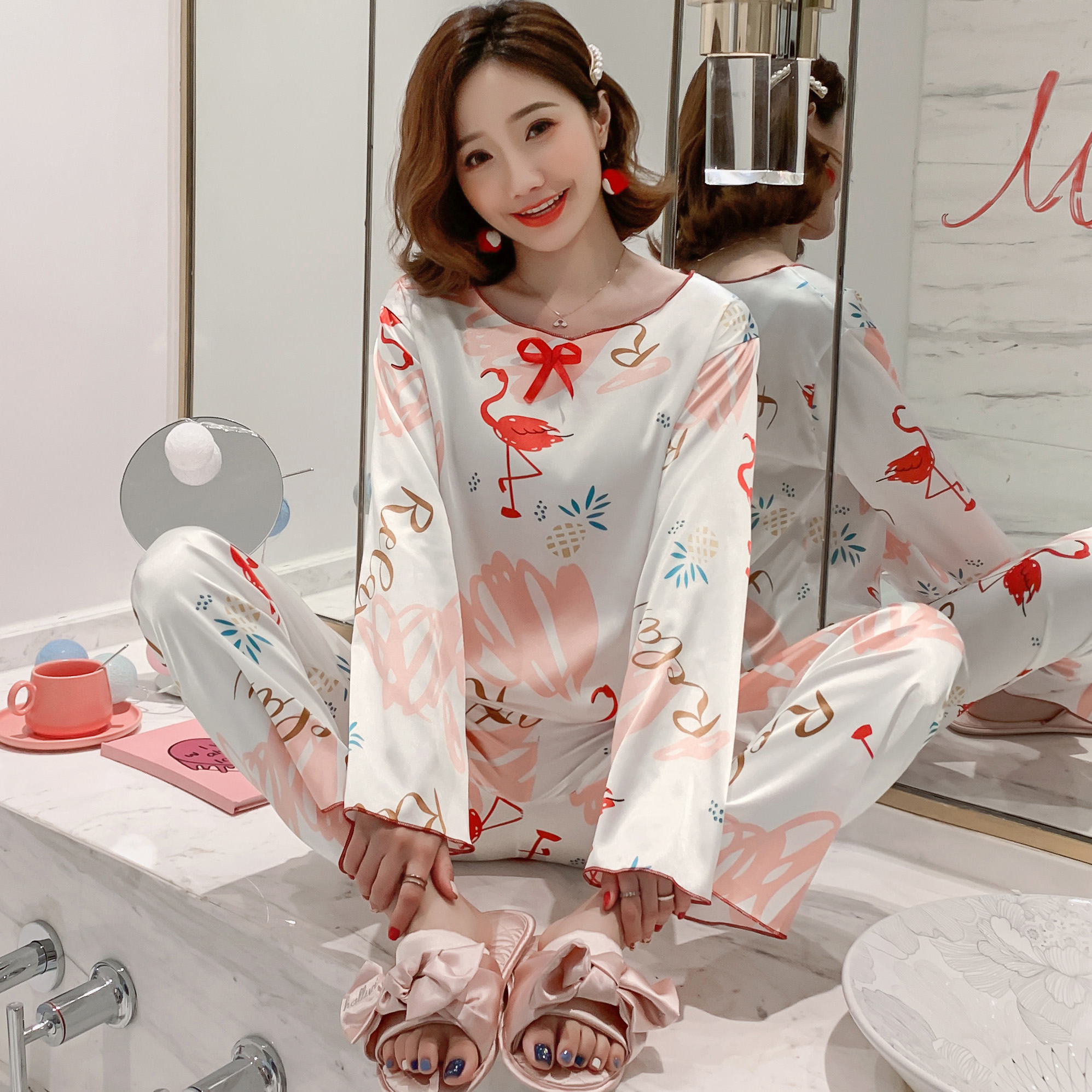Party Pajamas 2020 Spring Summer New Women's Silk Long Sleeve Pajamas Set Loose Print Women Sleepwear Set Elastic Long Pants