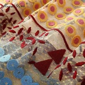 Image 5 - MoaaYina moda tasarımcısı elbise İlkbahar yaz kadın elbise kısa kollu örgü üçgen nokta nakış Vintage zarif elbiseler
