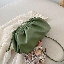 Lüks tasarımcı yeni bulut şekli kadınlar günü el çantası pilili hamur omuz askılı çanta küçük sevimli bayan Crossbody çanta