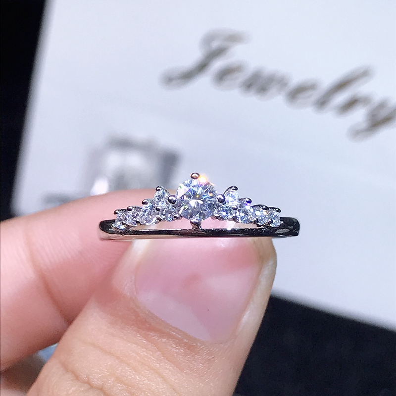 Super Benefits. Moissanite,0.3 Carats Super Hot Selling, Comparable To Diamonds, 925 Silver