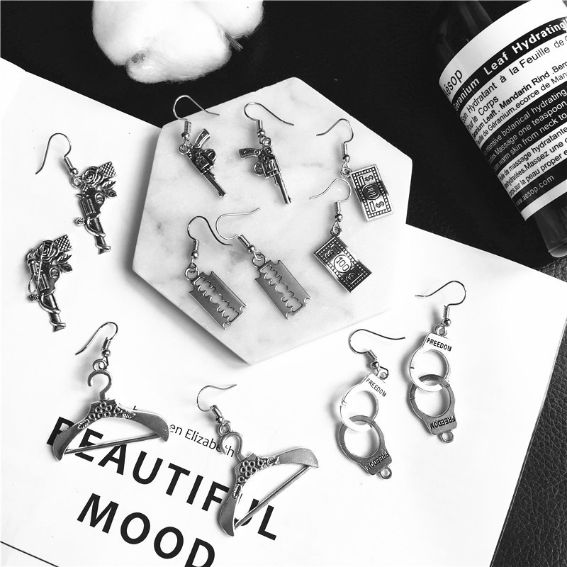 Punk Cheap Sliver Handcuffs Blade Gun Drop Earrings Creativity Jewelry Accessories Women Simple Fashion Cool Wholesale Pistols 2