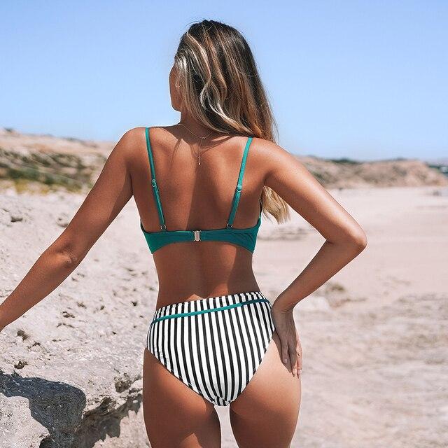 Bikini con realce estampado floral dos piezas Ciruela y Verde 13