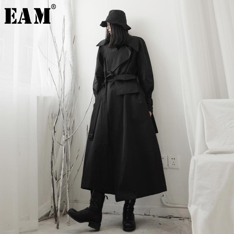 [EAM] Women Black Split Long Big Size Trench New Lapel Long Sleeve Loose Fit Windbreaker Fashion Spring Autumn 2020 19A-a538