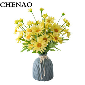 CHENAO French Fresh Chic And Colourful Small Daisy With Vase Office Party Hotel Restaurant Courtyard Fall Decorations