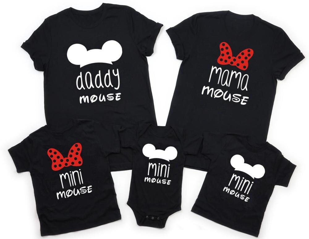 Novo pai mãe crianças bebê família combinando roupas de manga curta dos desenhos animados topos combinando roupas família olhar preto t-shirts