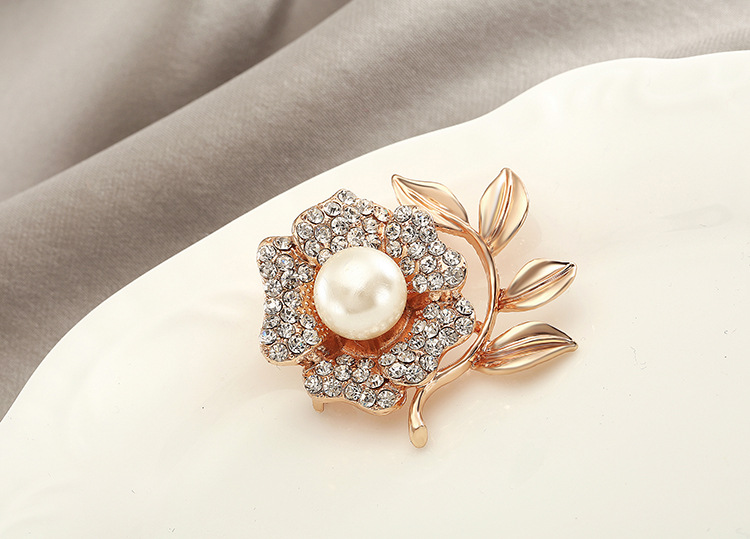 Korean Jewelry Fashion Pearl Flower Brooch Korean Lily Corsage