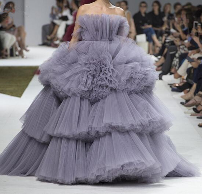 Chic Gray Lush Tiered Tulle Evening Dresses 2020 Trendy Ruched Ruffles Puffy Ball Gowns New Prom Gowns Off The Shoulder