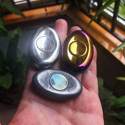 High Quality  EDC Fingertip Gyro Out of Print Two-leaf Titanium Alloy Baking Color Bright Adult Decompression Toy
