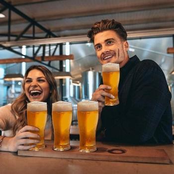 Nowe kufle do piwa 4 w 1 tworzywo akrylowe kufel do piwa Super szkuner kufle do piwa Pub w stylu kufle do piwa domu jadalnia Bar kufle do piwa tanie i dobre opinie CN (pochodzenie) Kufle piwa Szkło Connected Drinking Glasses transparent home bar nightclub etc