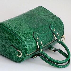 Image 4 - Luxo boston saco de couro genuíno das mulheres saco \ bolsa de leopardo padrão marca senhora travesseiro tote bolsa de ombro grande bolsa crossbody