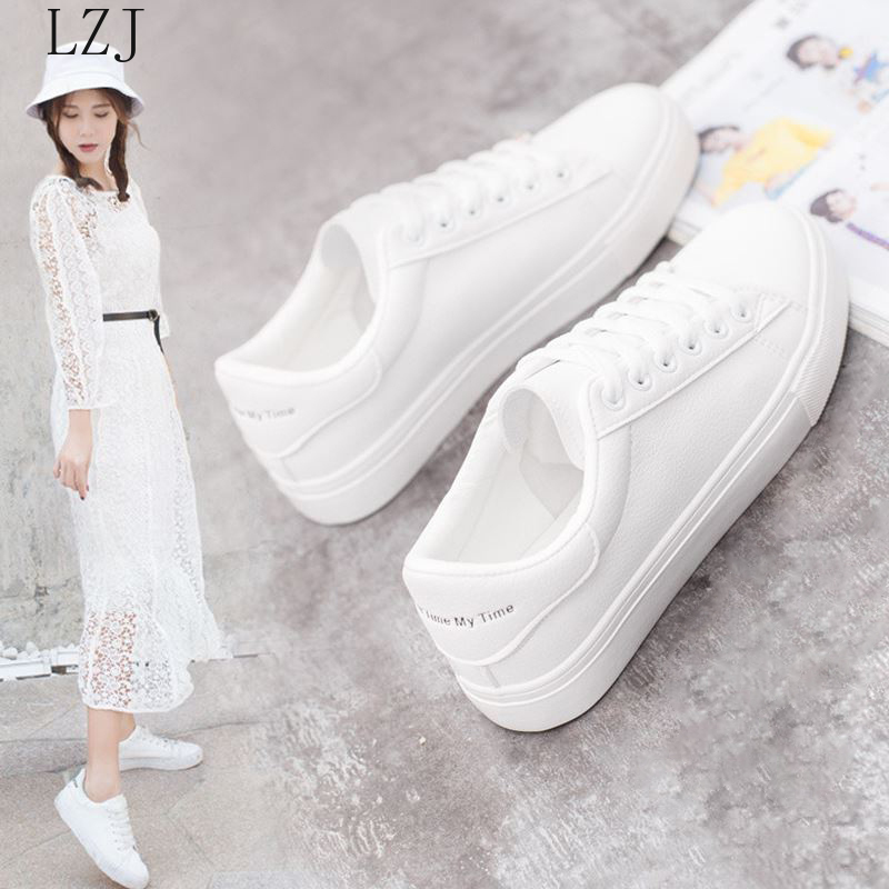 Hot Fashion Spring New Designer Breathble Vulcanized Shoes Woman Pu Leather Tenis Feminino Lace up White Sneakers Size 35 42