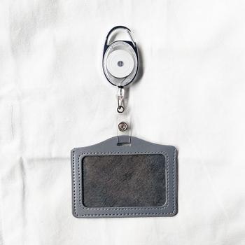 1PC skórzany uchwyt na karty pracy z odznaką uchwyt na identyfikator szpuli chowany uchwyt na identyfikator akcesoria akcesoria biurowe tanie i dobre opinie CN (pochodzenie) Leather Card Holder Etui na identyfikator For pass card