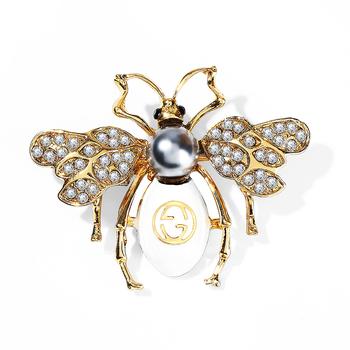 WYBU 12 style antyczna miedź koza broszka dla kobiet żaba Bee Broche Pin prezent kolorowe motyle broszki z motywem zwierząt dla przyjaciela Party tanie i dobre opinie CN (pochodzenie) Miedziane SF831 moda Unisex TRENDY Rhinestone