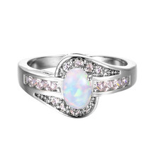 Dainty Female White Opal Stone Ring Elegant Crystal Silver Wedding Rings For Women Trendy Bridal Oval Engagement Ring gorgeous faux crystal oval bracelet with ring for women