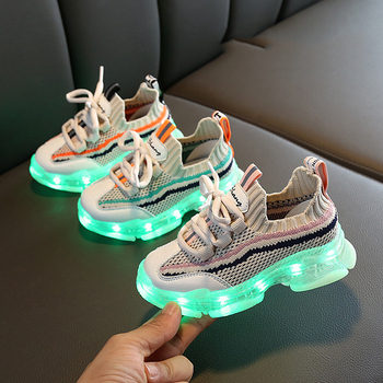 2020 New Glowing Up Kids Shoes Breathable Boys Girls Sport Shoes Children Casual Sneakers Baby Luminous Mesh Canvas Shoes D03201