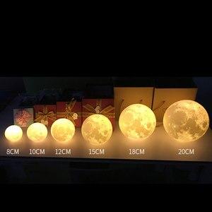 Image 3 - Akumulator lampa księżycowa 2 zmienia kolor 3D włącznik dotykowy światła 3D lampa lampy druku księżyc lampka nocna regałowa do sypialni kreatywne prezenty