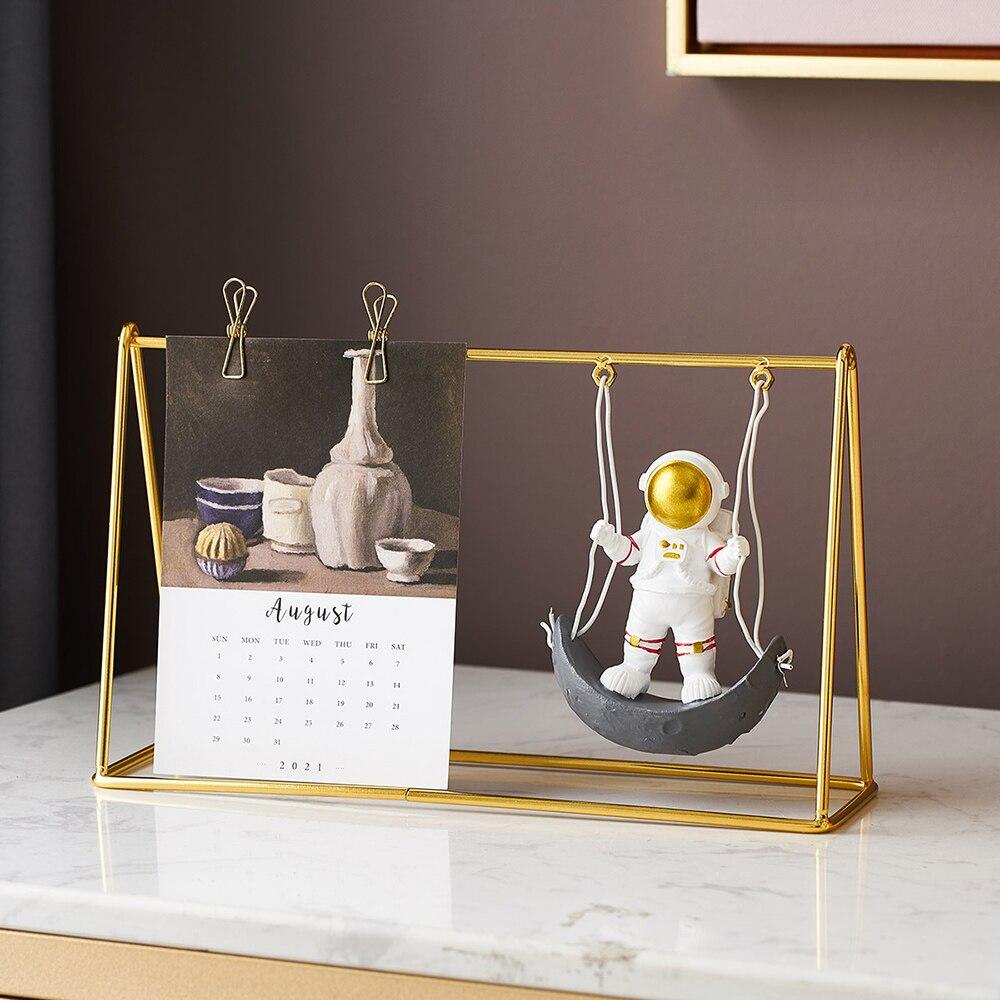 Accessoires de décoration de calendrier nordique, Statue dastronaute pour salon, décoration de bureau, cadeau danniversaire pour enfants
