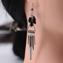 1 Pair of Japanese and Korean Style Simple Tassel Long Earrings Women's Single Creative Earhook Crystal Earrings