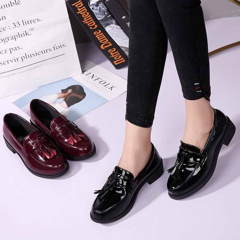 Yeni Oxford ayakkabı kadın kalın alt platformu Fringe püskül kadın ayakkabı mokasen kadın Flats Patent deri bayanlar ayakkabı üzerinde kayma