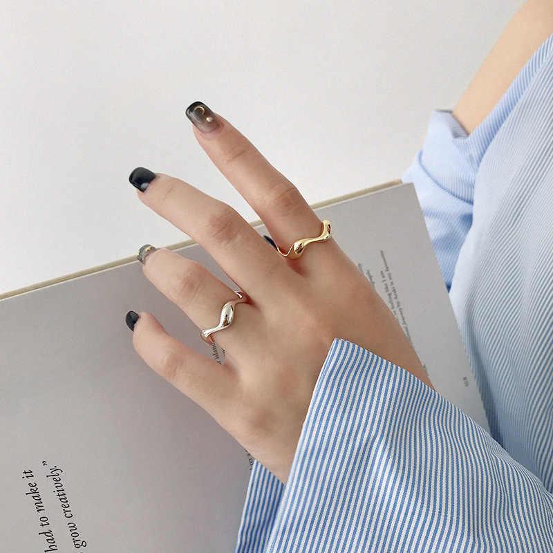 XIYANIKE 925 เงินสเตอร์ลิงสร้างสรรค์ทำด้วยมือแหวนคลื่นที่ไม่สม่ำเสมอ Smooth สำหรับผู้หญิงขนาด 16.5 มม.ปรับได้