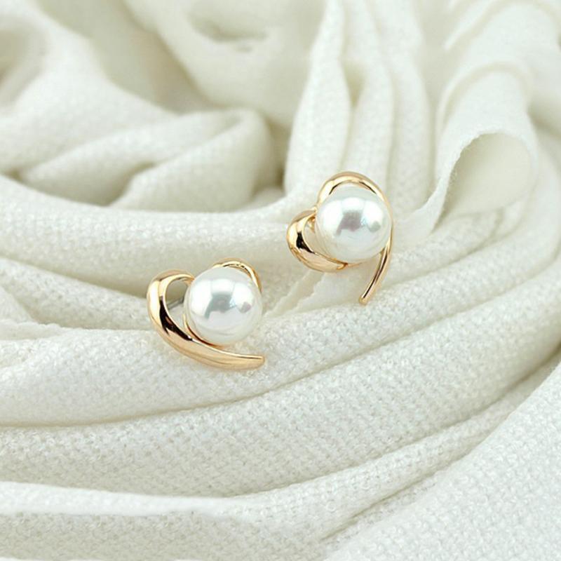 Trendy Elegant Girls Pearl Earrings Korea Style Personality Heart Shaped Ear Accessories Statement Jewelry Gift For Women
