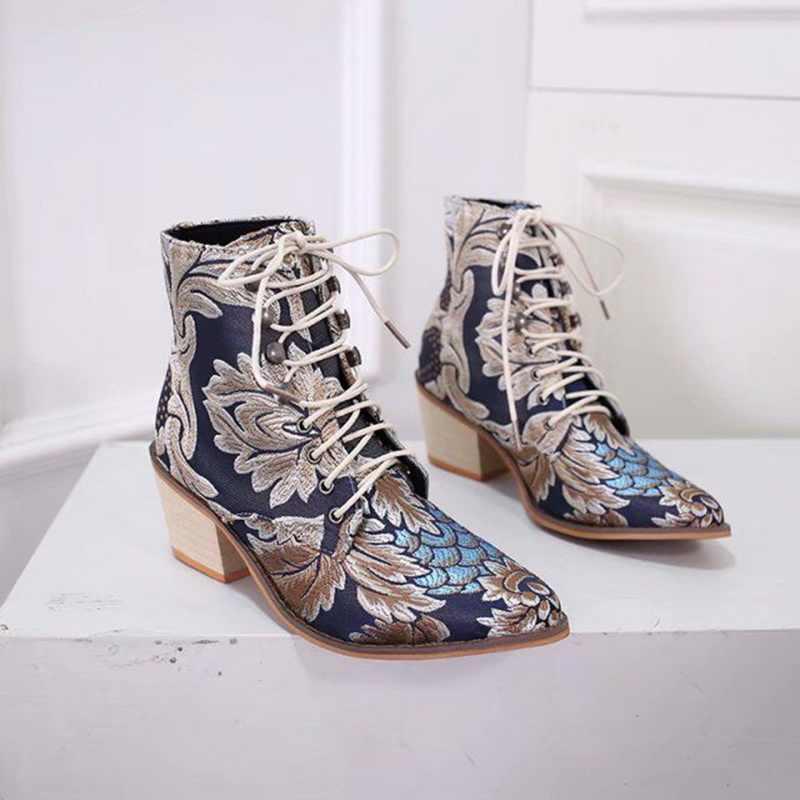Botas femininas retro bordar tornozelo étnico bota rendas até dedo do pé apontado sapatos de salto plano quente cowboy botas mujer dropship
