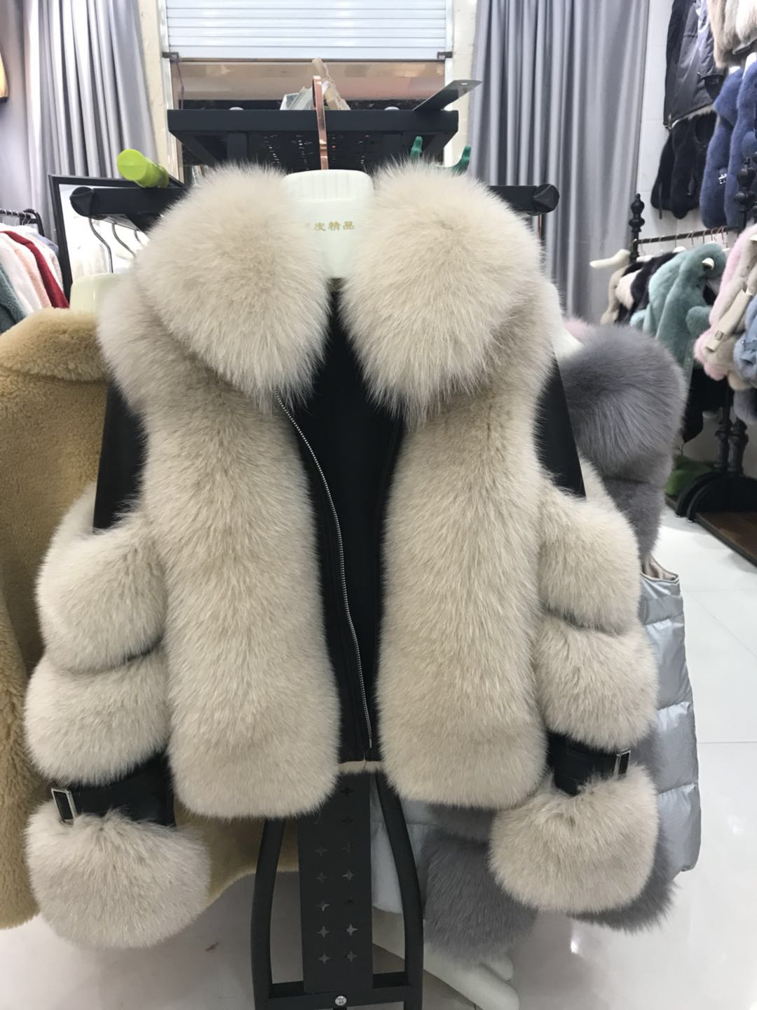 rf2083 2019 Winter New Style Aviator Fashion Fox Fur Jacket Woman Genuine Leather Natural Fur Coat