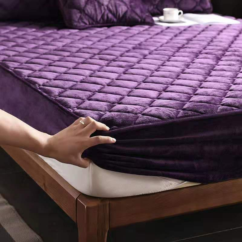 Short Plush Thicken Quilted Mattress Cover King Queen Double Size Quilted Bed Protection Pad Cover Not Including Pillowcase