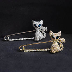 CB2140   Japanese and Korean accessories cute green eye kitten Brooch