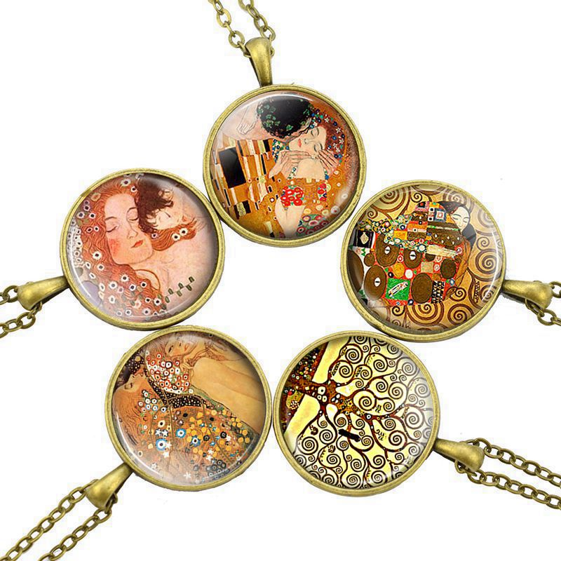 Retro Style Bronze Chain Necklace Gustav Klimt Painting Glass Cabochon Pendant Necklace Art Jewelry Gift for Women