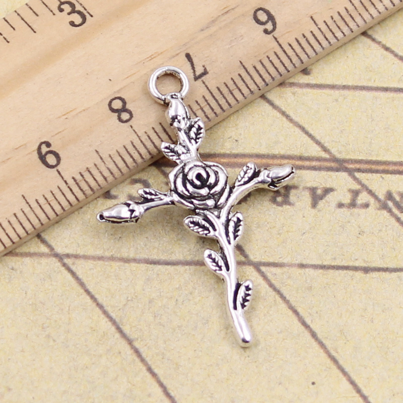 Butterfly Charm//Pendant Tibetan Antique Silver 19mm  30 Charms Accessory Crafts