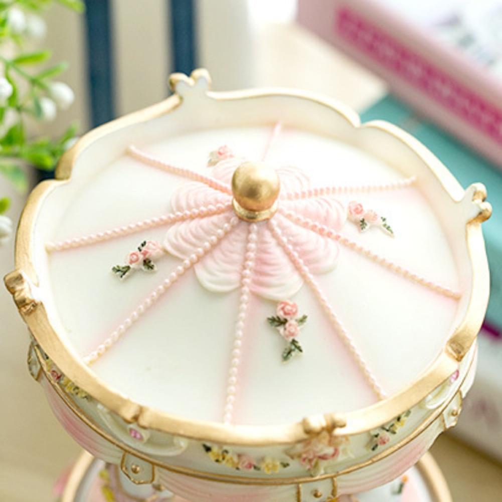 Music Box Handwork Valentine's Day Resin Decor Wedding Gifts Home LED Light Luxury Carousel Clockwork Mechanism Color Changing