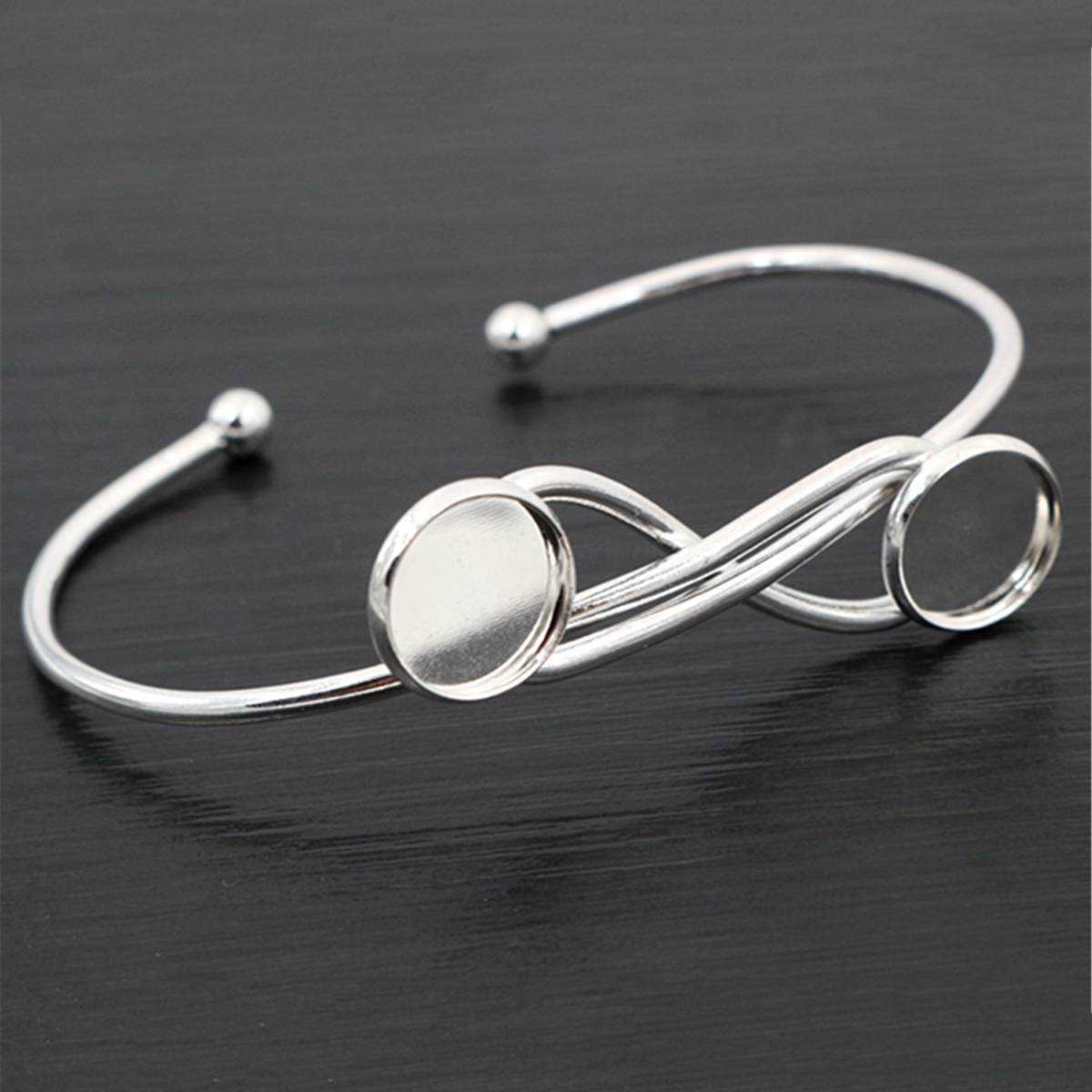 High Quality  2pcs 12mm Silver Plated One 12mm Cameo Bangle Base Bracelet Blank Findings Setting Cabochon Cameo L6-27