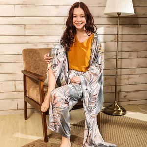 Image 1 - Primavera & verão senhoras cardighn + colete + shorts calças 4 pcs pijamas conjunto banmboo folhas impressão sleepwear feminino macio solto fino homewar
