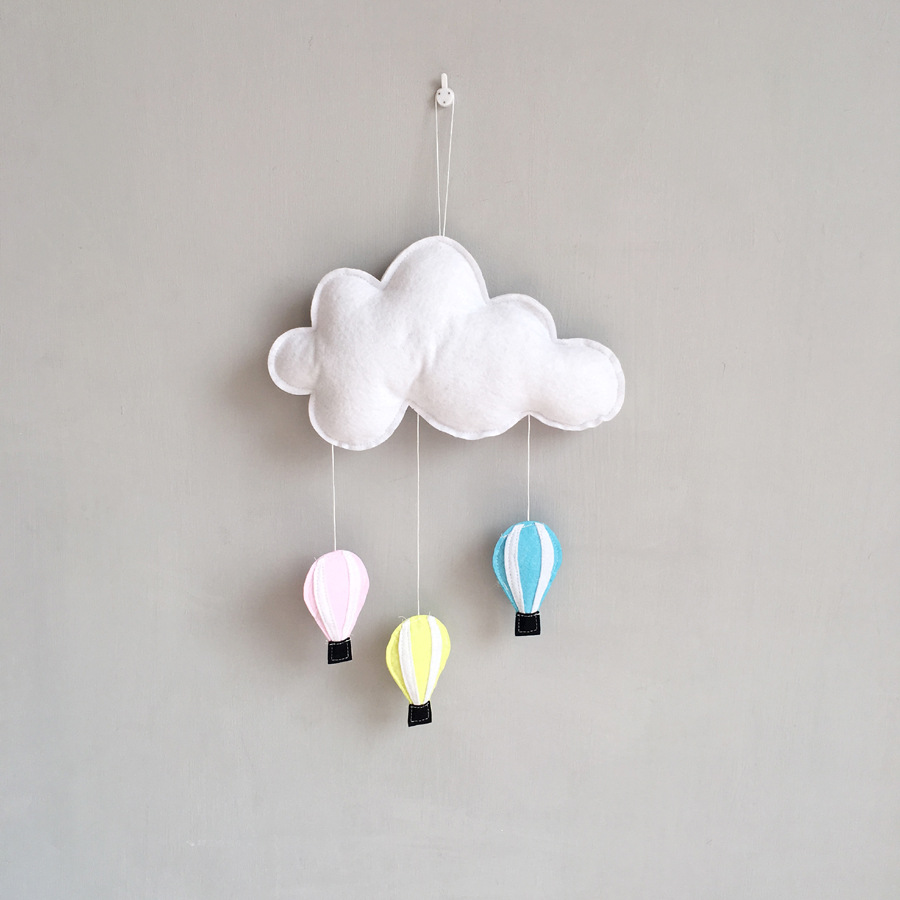 1.5M Length Ins Nodic Hot Air Balloon Cloud Newborn Baby In The Crib Infant Room Decor Photography Props Baby Bedroom Decoration