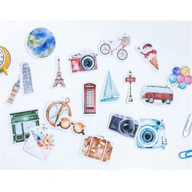 46 pcs/pack dessin animé vêtements soldat autocollant enfants jouets Anime cadeau pour bricolage sur livre ordinateur portable téléphone Mobile planche à roulettes enfants autocollants