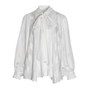 Image 5 - TWOTWINSTYLE 시폰 Bowknot 화이트 여성 셔츠 O 넥 레이스 업 랜턴 긴 소매 셔츠 블라우스 여성 2020 가을 패션 New