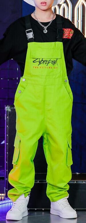 Детская танцевальная одежда в стиле хип-хоп для девочек и мальчиков, спортивная рубашка, топы, штаны на лямках, костюмы для бальных танцев, верхняя одежда - Цвет: Green Pants