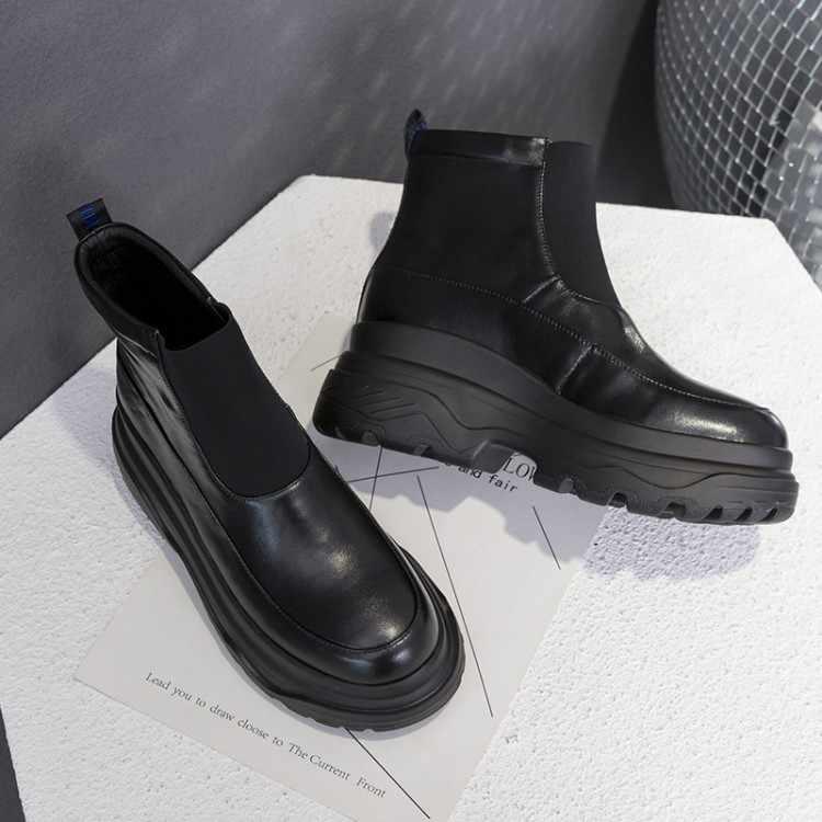 Kadın yağmur çizmeleri su geçirmez ayakkabı kadın su ayakkabısı kauçuk Lace Up PVC bot dikiş katı moda yağmur botları