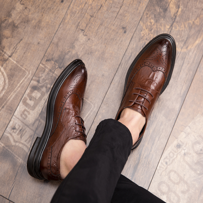 Luxury Classic Mens Brogue Oxfords Dress Shoes   Leather Brown Pointed Toe Lace Up Male Formal Footwear Wedding Party