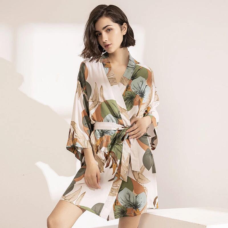 2021 Spring New Ladies Silk Satin Thin Robe Comfort Fresh Style Floral Printed Sleepwear Sexy Nightgown Femme Satin Homewear