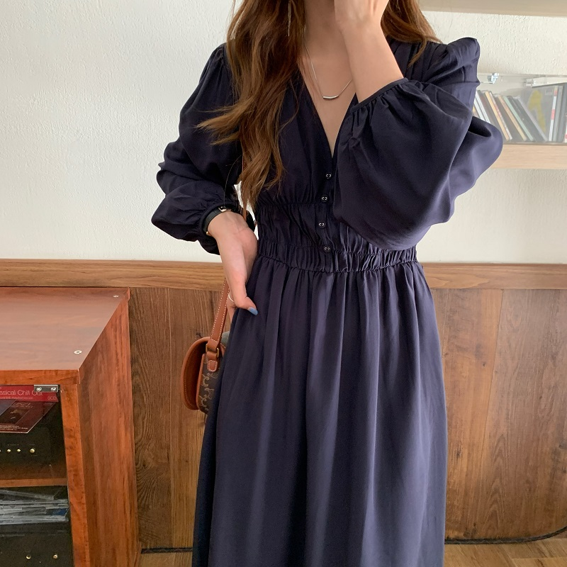 H63c7f13f29a44e1181314a0f8ed8bbebY - Autumn V-neck Long Sleeves Pleated Waist-Controlled Solid Loose Dress