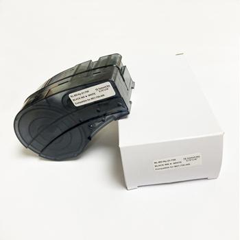 Kompatybilny MC-500-595 kaseta wstążka winylu etykiety taśmy czarny na czerwona folia pracy z przenośna drukarka BMP 41 51 53 tanie i dobre opinie CN (pochodzenie) BMP-41 BMP-51BMP-53 Black on White 21 Length 0 5 Width Vinyl