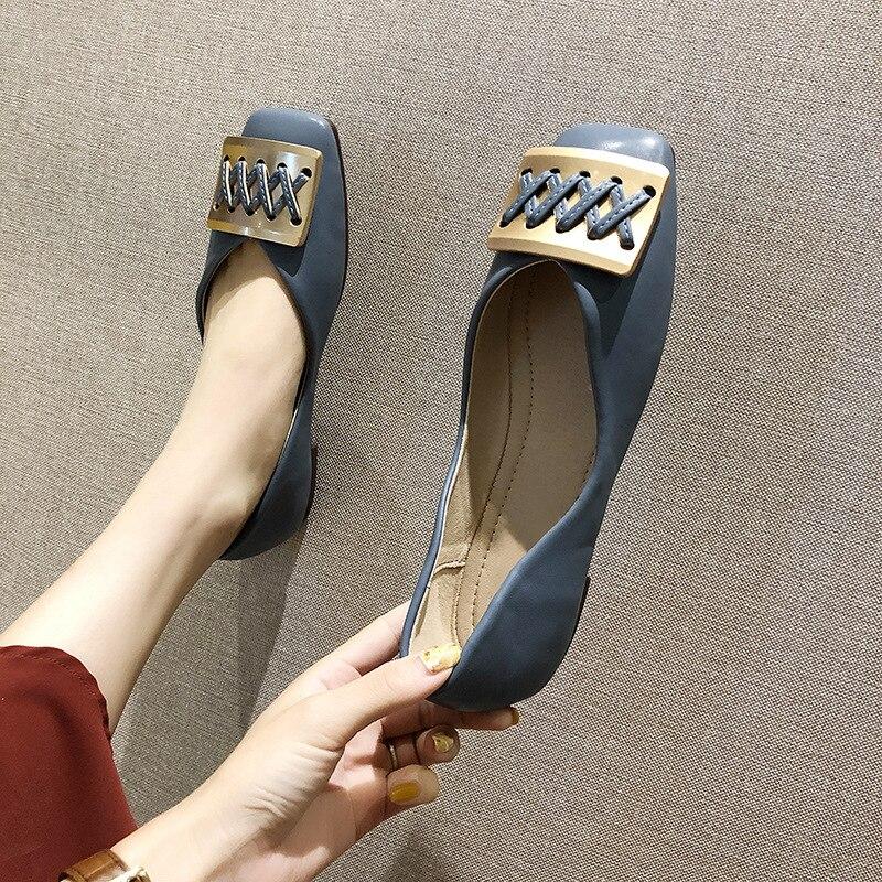 Ev ve Bahçe'ten Ayakkabı Rafları ve Organizatörleri'de Kadın ayakkabı 2019 yeni stil tek ayakkabı yaz İngiliz tarzı ayakkabı moda Metal kare toka Retro düşük kesim düz top ayakkabı çok title=