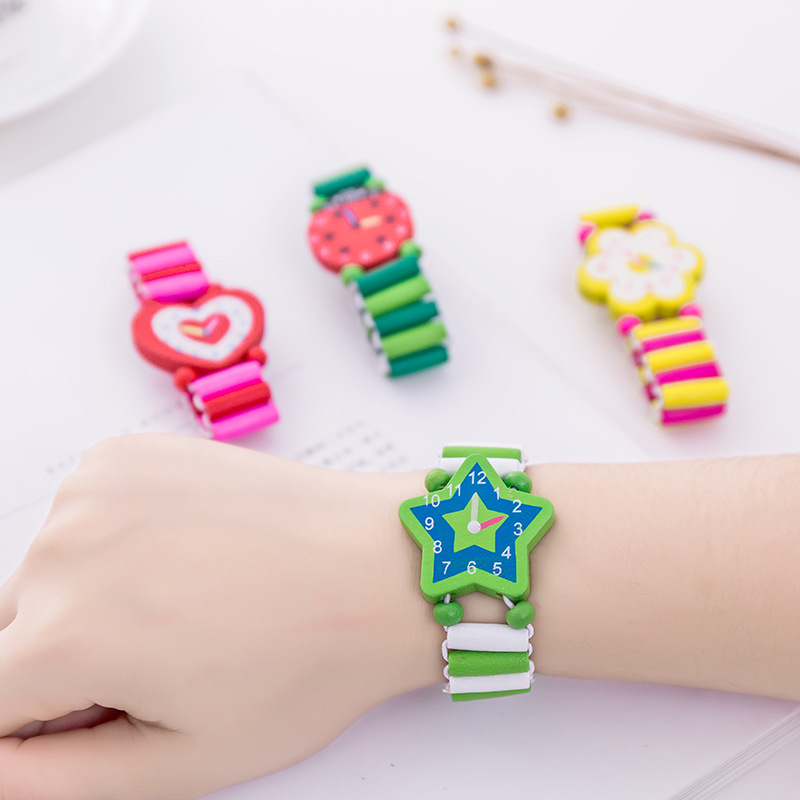 2020 Babys Kids Cartoon Wooden Crafts Wristwatches Bracelet Watch Toy Children Student Xmas Toys Gift Random Style Color