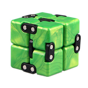 QiYi 2x2 Crazy Cube 2x2x2 Endless Magic Infinite Cube Relax Relieve Pressure 2 Layers Cube Puzzle Toys For Children Gift