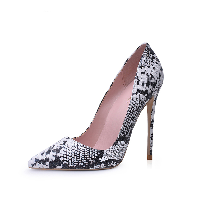 Pointed Toe Shallow Pumps 5
