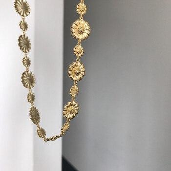 цена Silvology 925 Sterling Silver Daisy Flower Choker Necklace High Quality 18K Gold Elegant Womens Necklace Friendship Jewelry Gift онлайн в 2017 году
