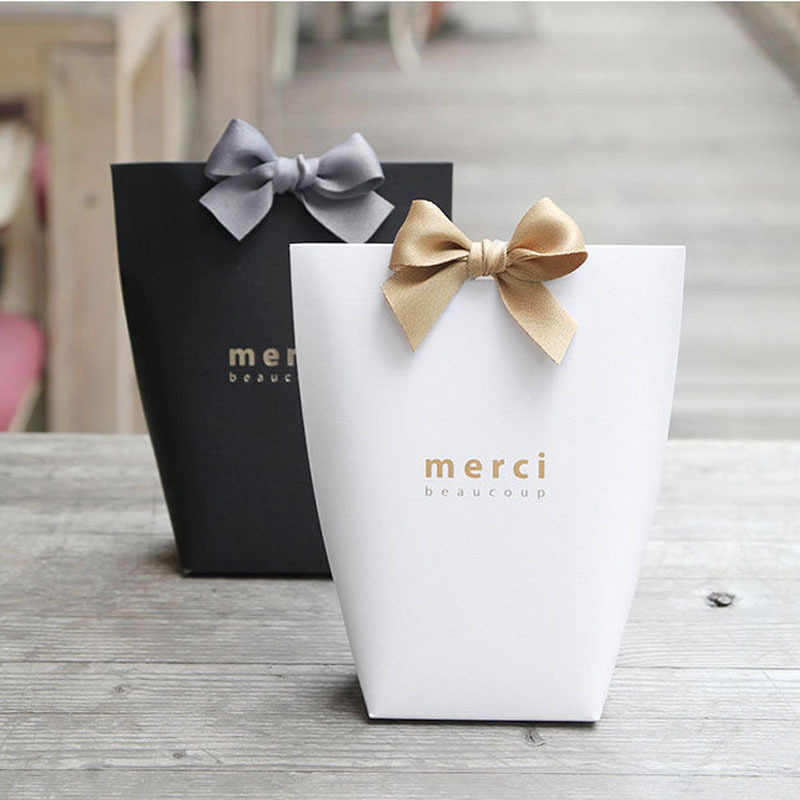 5pcs Black White Merci Thank You Gift Packaging Candy Kraft Paper Bag Wedding Dragee Gift Box Cookie Gift Bags Wrapping Supplies